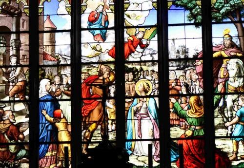 Martirio de la Santa por orden de Nizan. Vidriera decimonónica.