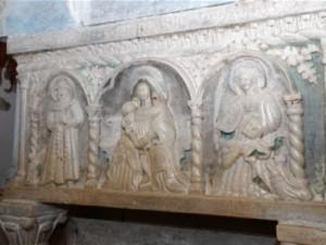 Sarcófago de Santa Augusta de Serravalle, con el relieve de Santa Cita.