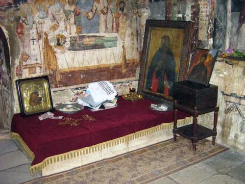 Tumba del santo en su monasterio.