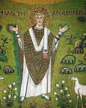 Detalle del Santo en el mosaico paleocristiano en el ábside de su Basílica in Classe, Rávena (Italia).