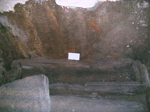 Sarcófago de San Marcial. Cripta de su iglesia en Limoges (Francia)