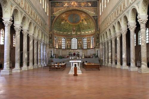 Basílica San Apolinar in Classe, en Ravenna, Italia.