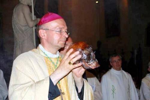 Cráneo del santo. Limoges (Francia).