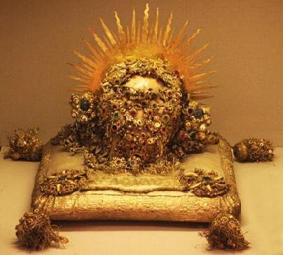 Cráneo del santo en el Museo diocesano de Bamberg (Alemania).