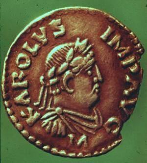 Moneda acuñada en tiempos de Carlomagno.