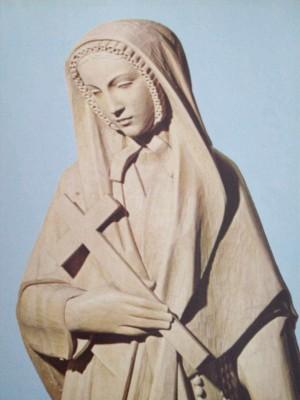 Detalle de una escultura de la Santa en México.
