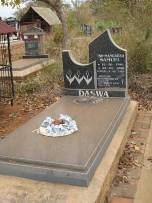 Tumba del beato en el cementerio de  Mhabe.