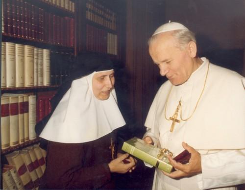 Encuentro en el Vaticano con San Juan Pablo II.
