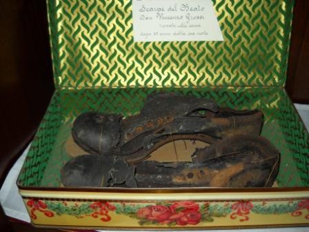 Zapatos del Santo.