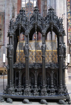 Sepulcro del Santo en su iglesia de Nuremberg, Alemania.
