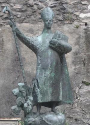 Estatua contemporánea del Santo en Sitten, Suiza.