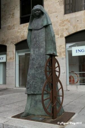 Escultura que la ciudad de Salamanca (España) levantó en su honor (21/11/2014). Fotografía: Miguel Veny, 2015.