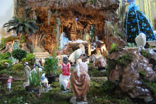 Las imágenes de vestir también fueron gran éxito pues eran vestidas finamente por jovencitas y religiosas, Nacimiento del templo de la Asunción de María, Milpa Alta, México D.F., Cortesía de Carlos Flores Blanco.