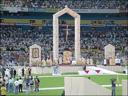 Beatificación de Mártires en el Estadio Jalisco, México.