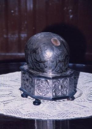 Relicario del cráneo del Santo venerado en Ágreda, Soria (España).