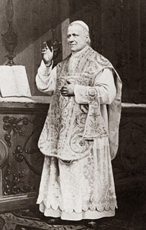Pío IX celebrando la Santa Misa.