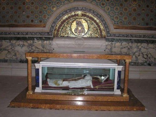 Tumba del Beato en las Grutas Vaticanas, Roma (Italia).