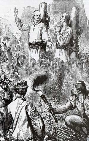 Grabado de Nicholas Ridley y Hugh Latimer quemados en la hoguera.