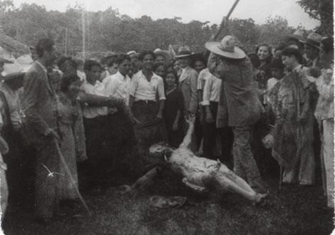 En el garridismo era común que se reunieran en tertulias para destrozar y quemar imagenes religiosas.