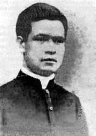 Fotografía del Santo en su hábito sacerdotal.